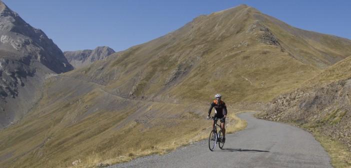 Road between Port de Boucharo and Col des Tentes