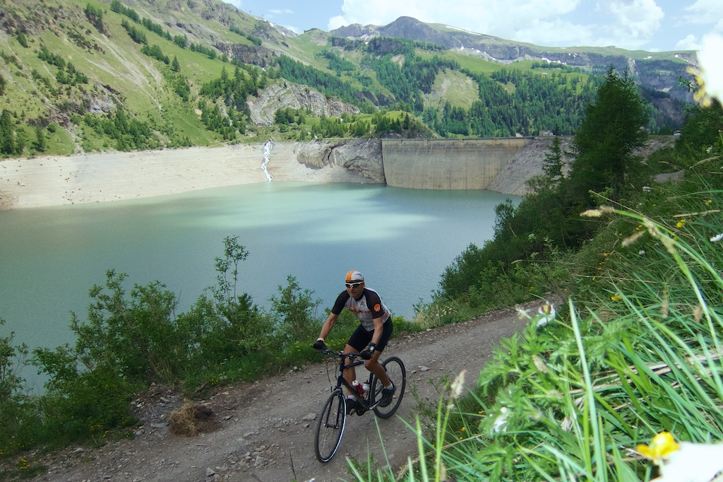 Dam and Lac de Tseuzier