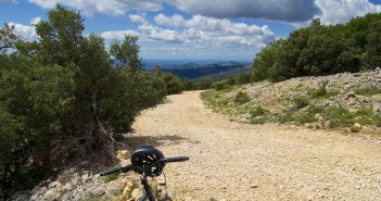 "early slopes -- ""secret"" unpaved route"