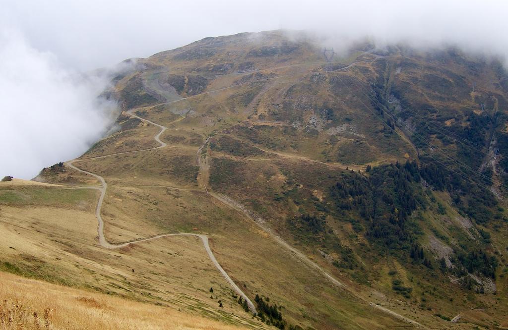 Road up to Les Grands Vans