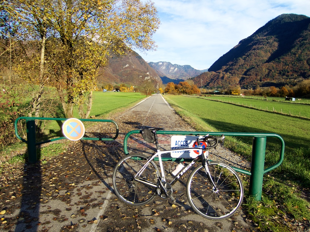 Annecy Bike Path