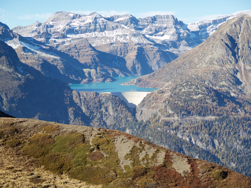 View of Lac / Barrage d'Emmoson