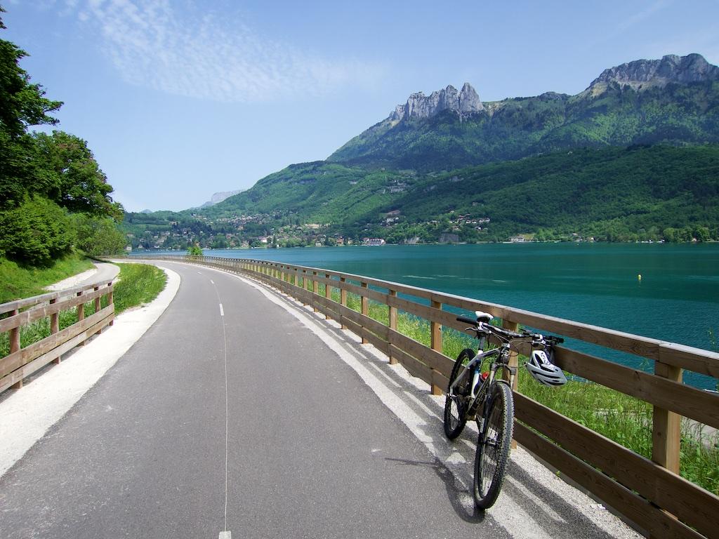 Annecy Bike Path