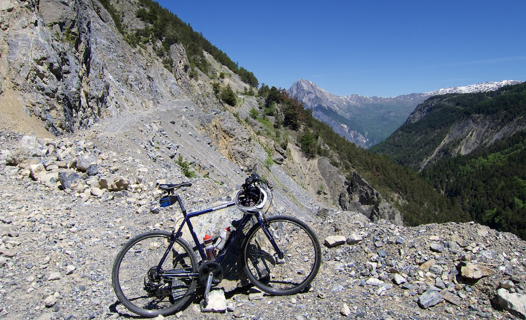 """""""Road"""" linking Col d'Albanne and Valloire"""