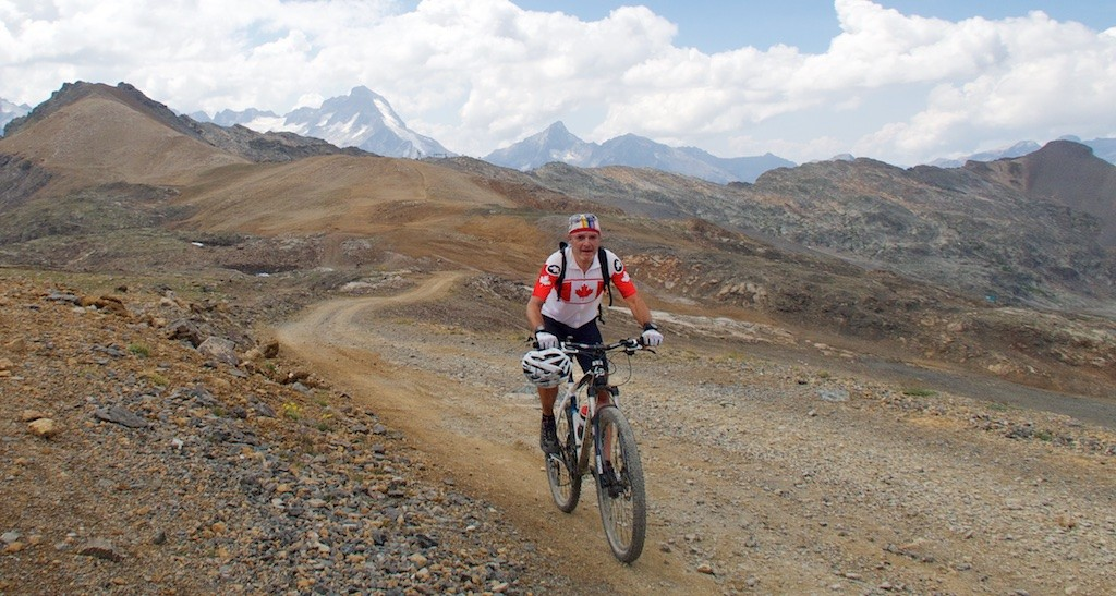 Road to Col du Jandri (1)